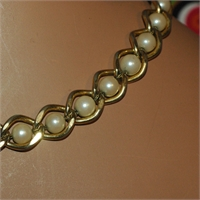 Beautiful Chunky Gold Tone Link With Faux Pearls Necklace