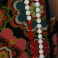 Very Long And Equally Lovely Red, Blue & White Necklace, bild 947